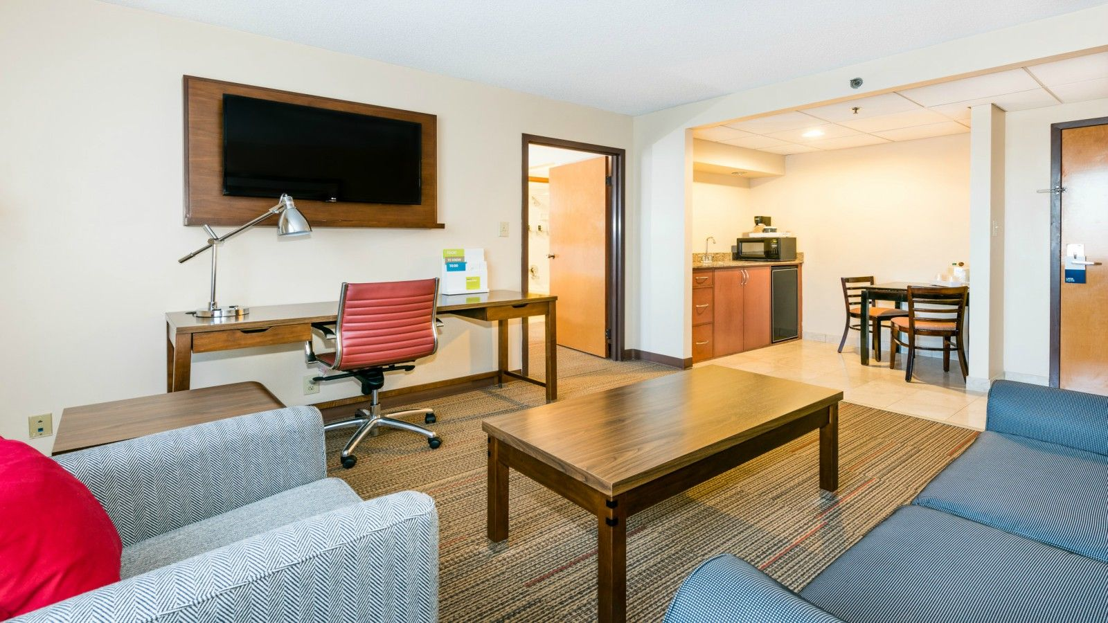 Charlotte Accommodations - Suite
